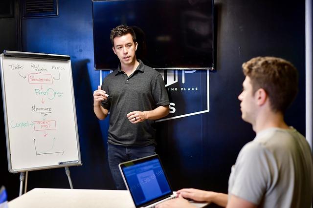 3 תוכנות ERP הטובות ביותר בשוק, לניהול משאבים בעמותה